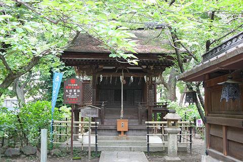 拝殿の彫刻